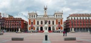 Ayuntamiento de la ciudad en la Plaza Mayor de Valladolid Datos para vender en cualquier zona de Valladolid y alfoz